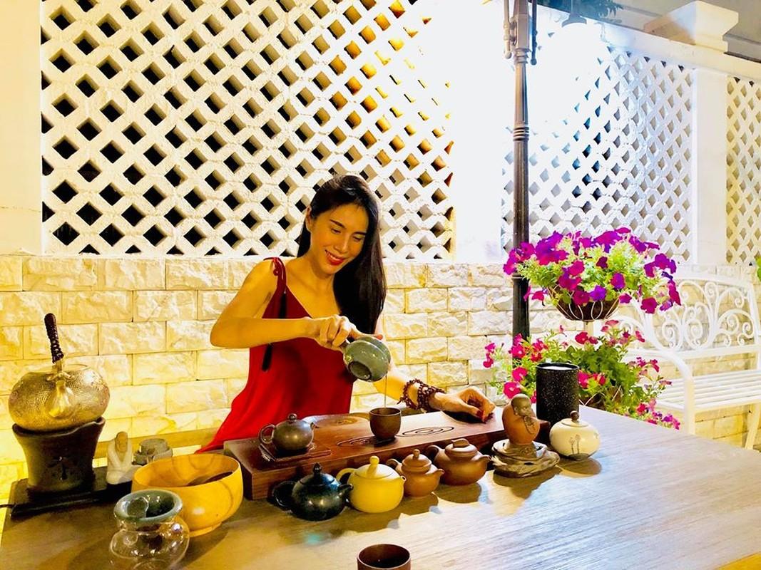 """Thuy Tien kheo chieu chong cham con, bao sao Cong Vinh khong """"chan com them pho""""-Hinh-11"""