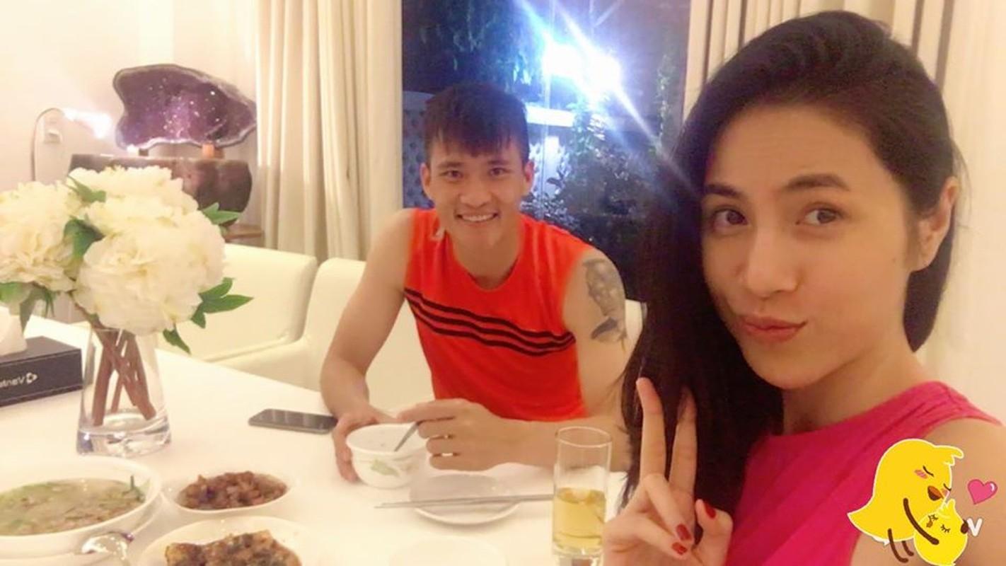 """Thuy Tien kheo chieu chong cham con, bao sao Cong Vinh khong """"chan com them pho""""-Hinh-9"""