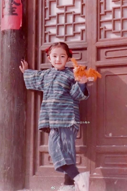 """Lo anh thoi tho au cua Duong Mich, xung danh my nhan """"dep tu trong trung""""-Hinh-3"""