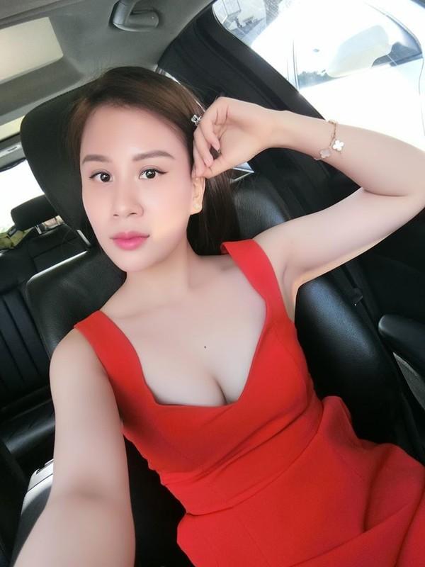 Nhan sac xinh dep cua vo MC Thanh Trung tung la tiep vien hang khong-Hinh-12