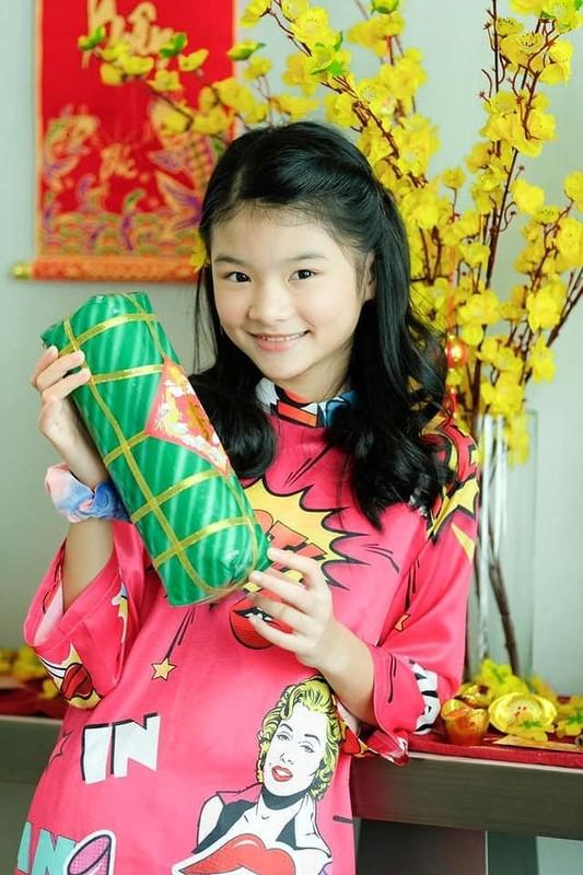 Con gai Truong Ngoc Anh 11 tuoi so huu doi chan dai, noi 3 thu tieng-Hinh-2