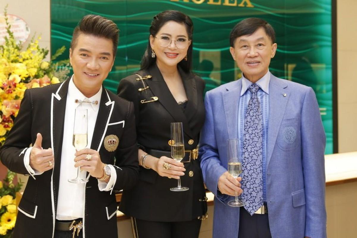 Dien vien Thuy Tien - me chong Ha Tang: U50 van tre trung, sang chanh-Hinh-14
