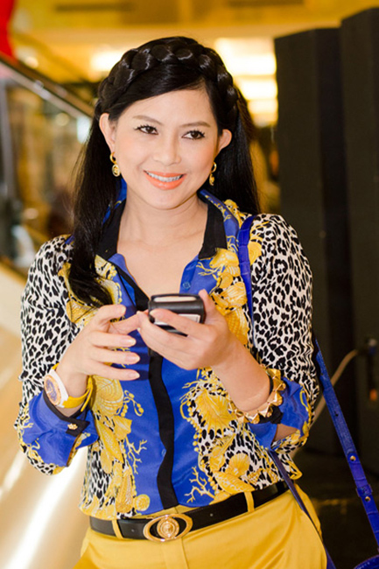 Dien vien Thuy Tien - me chong Ha Tang: U50 van tre trung, sang chanh-Hinh-4