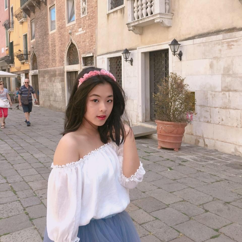 Con gai 16 tuoi cua NS Chieu Xuan vua xinh dep lai da tai, hat hay-Hinh-12