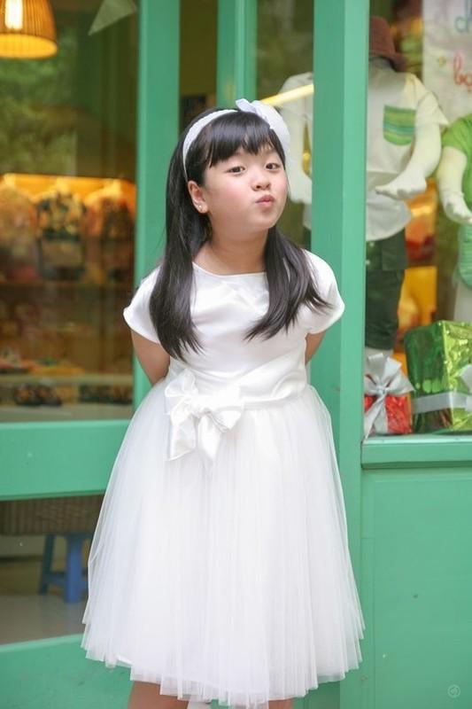 Con gai 16 tuoi cua NS Chieu Xuan vua xinh dep lai da tai, hat hay-Hinh-2