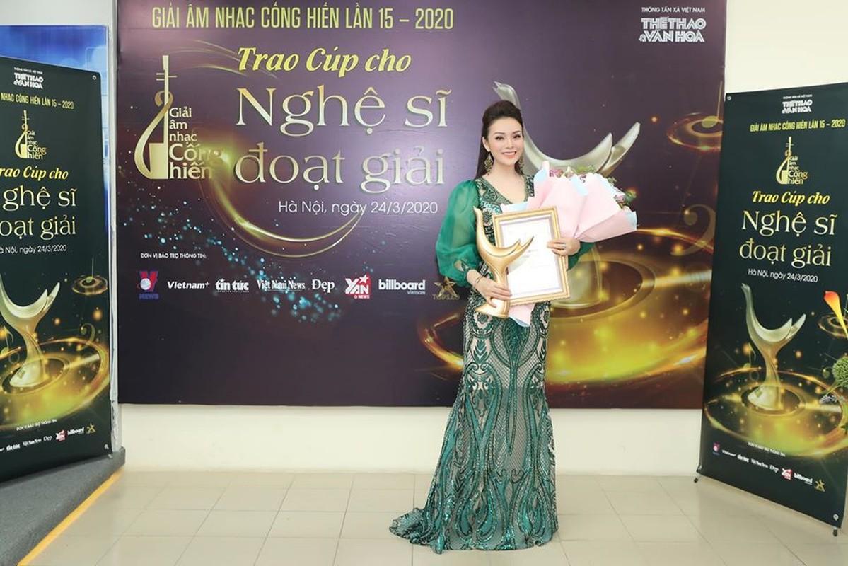 Hoang Thuy Linh thang lon, doat 4 giai Am nhac Cong hien lan thu 15-Hinh-10