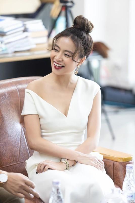 Hoang Thuy Linh thang lon, doat 4 giai Am nhac Cong hien lan thu 15-Hinh-4
