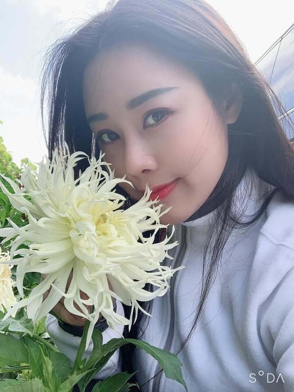Nhan sac xinh dep vo kem 18 tuoi, nhieu tai le cua ca si Viet Hoan-Hinh-3