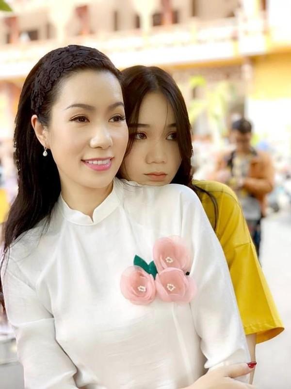 Con gai 17 tuoi, cao 1m72 vua xinh lai gioi cua Trinh Kim Chi-Hinh-7