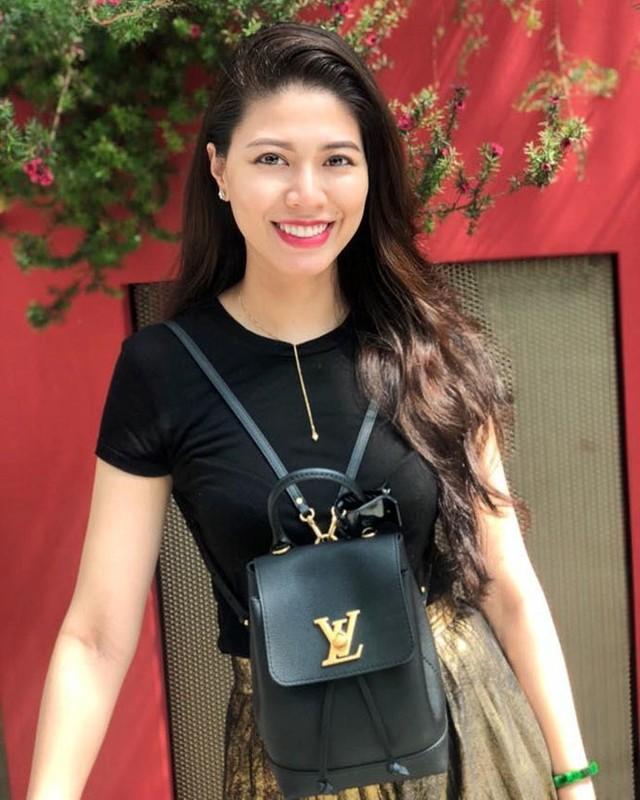 BTV Ngoc Trinh xung danh my nhan xinh dep, sanh dieu nhat nhi VTV-Hinh-14
