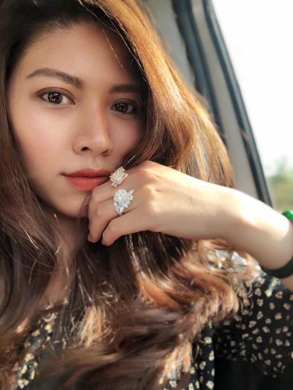 BTV Ngoc Trinh xung danh my nhan xinh dep, sanh dieu nhat nhi VTV-Hinh-5