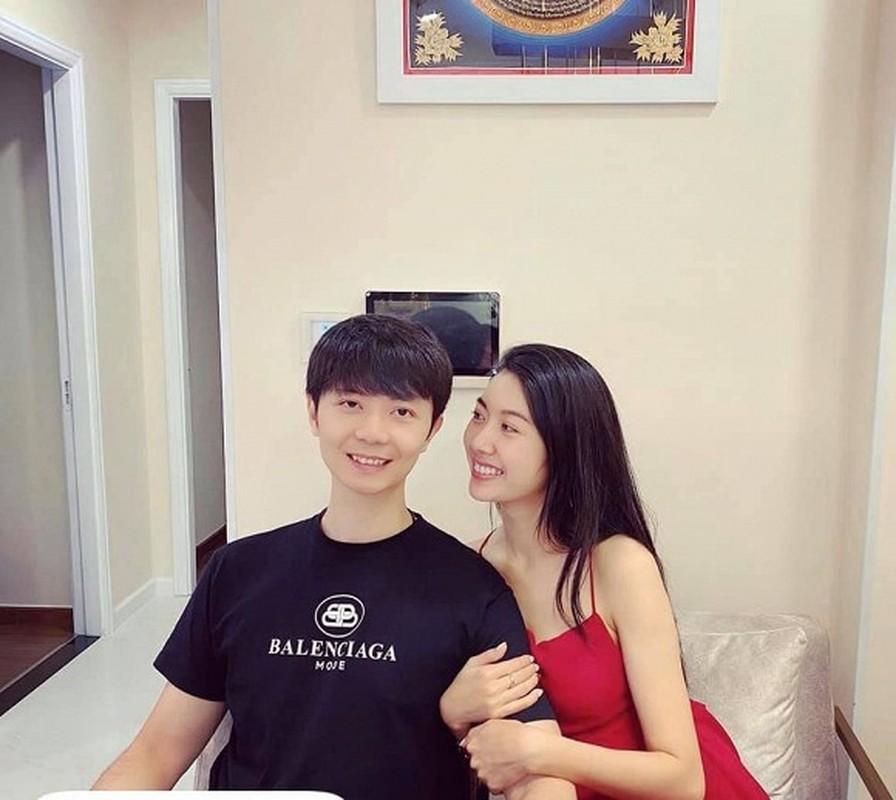 Lo them anh ban trai Thuy Van, fan tam tac khen giong Hoac Kien Hoa