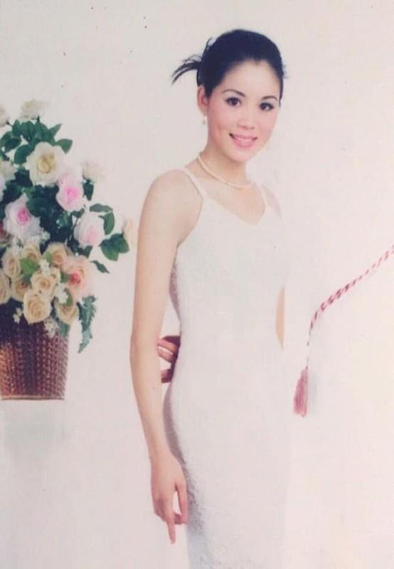 Vo MC Quyen Linh thoi tre qua xinh, bao sao sinh 2 con gai dep nhu hoa-Hinh-6