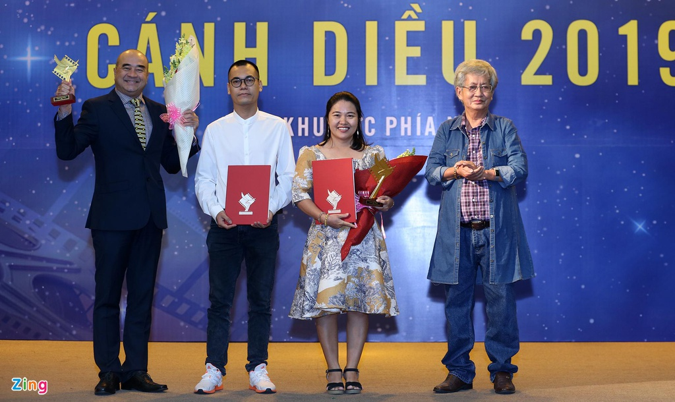 Cat Phuong hanh phuc khi nhan giai Canh dieu cung Kieu Minh Tuan-Hinh-7