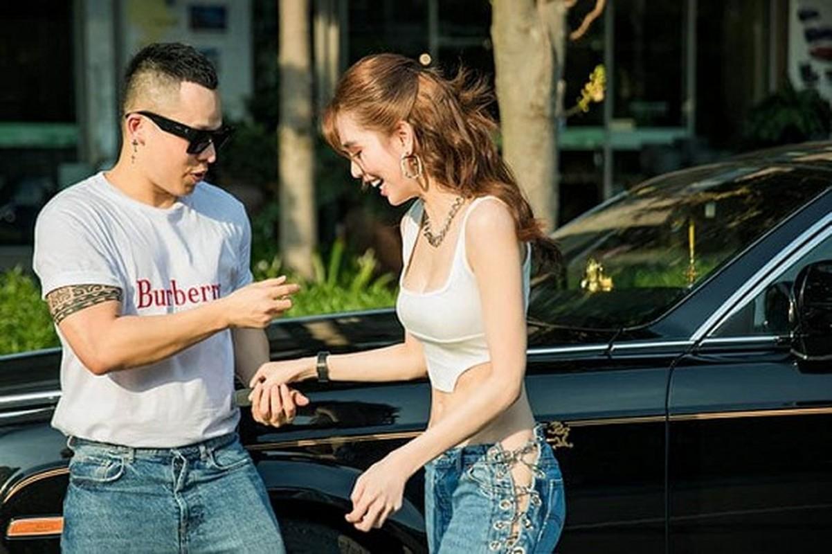 Ngoc Trinh mac ho hung khoe eo 53cm, nhung dieu gay chu y la...-Hinh-3