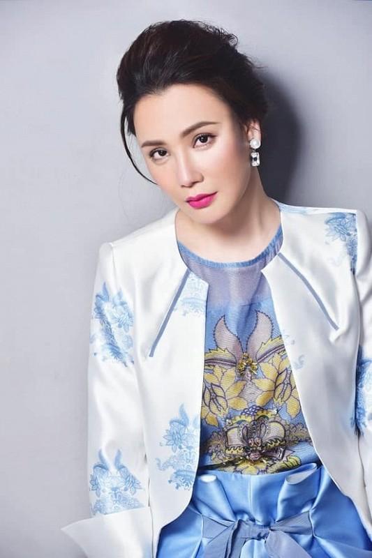 Ho Quynh Huong: Tu ngoi sao hang A den doanh nhan doc than-Hinh-4