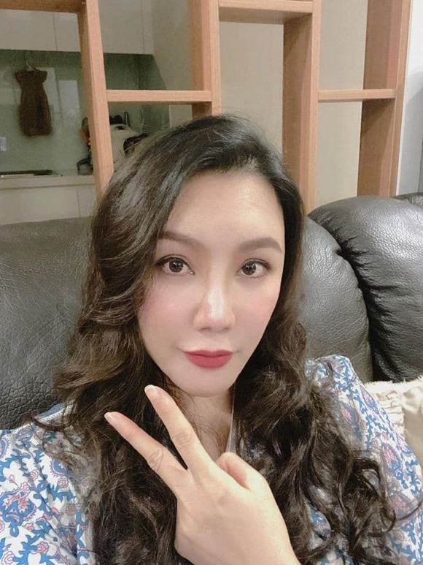 Ho Quynh Huong: Tu ngoi sao hang A den doanh nhan doc than-Hinh-7
