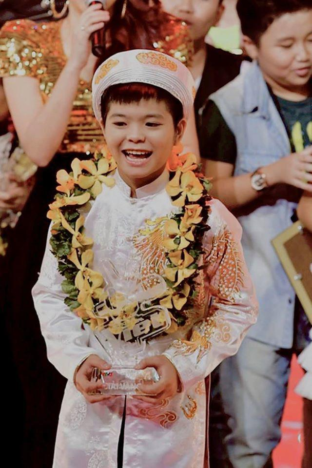 """Quang Anh The Voice Kids """"chat choi"""", khac la o tuoi 19-Hinh-4"""