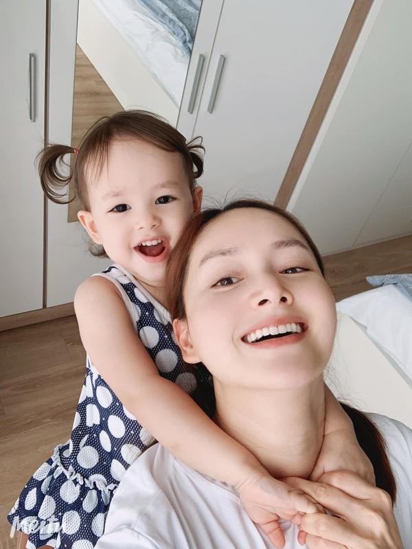 Bao Thanh khoe duoc chong tang xe sang tien ty-Hinh-10