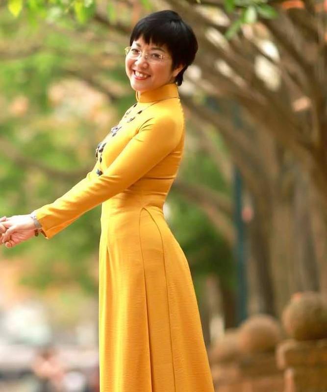 Bao Thanh khoe duoc chong tang xe sang tien ty-Hinh-11