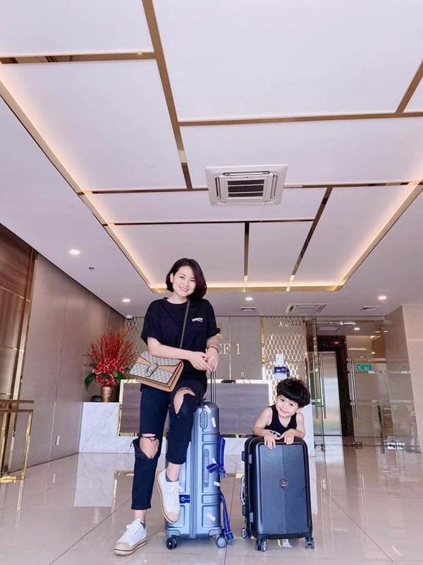 Bao Thanh khoe duoc chong tang xe sang tien ty-Hinh-3