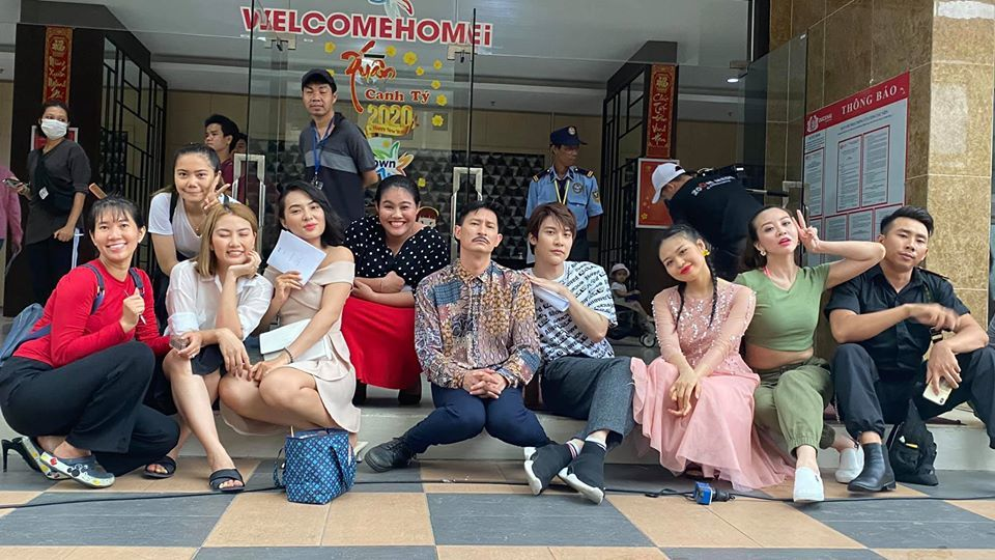 Bao Thanh khoe duoc chong tang xe sang tien ty-Hinh-8