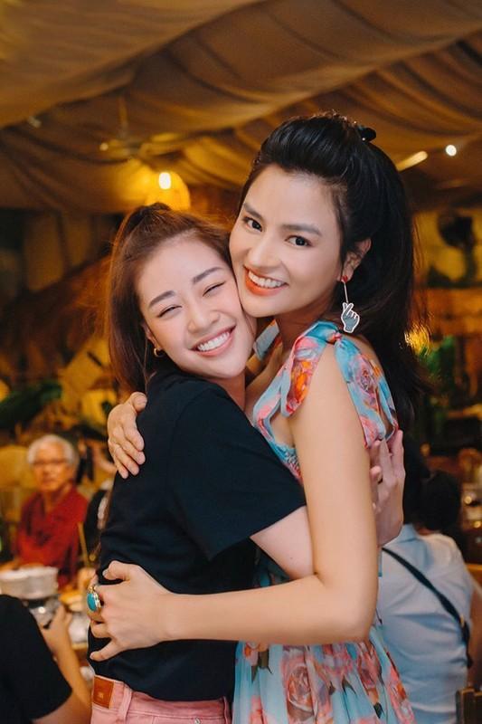 Bao Thanh khoe duoc chong tang xe sang tien ty-Hinh-9