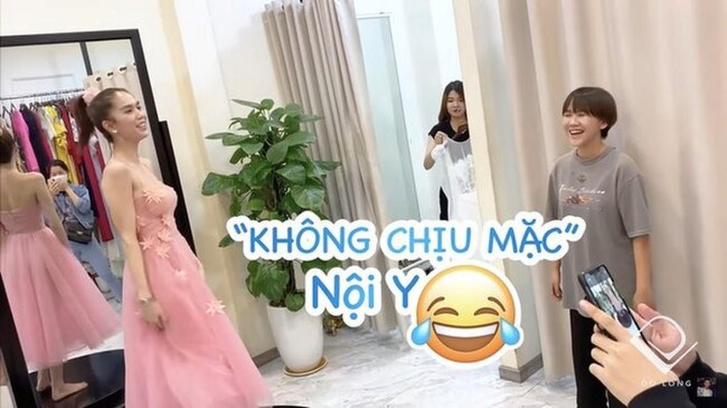 Ngoc Trinh di thu do khong mac noi y, bi nhac van phot lo-Hinh-3