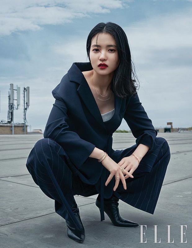 Ve xinh dep cua nang tho phim 18+ xuat hien voi Song Joong Ki-Hinh-16