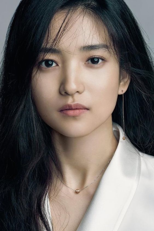 Ve xinh dep cua nang tho phim 18+ xuat hien voi Song Joong Ki-Hinh-3