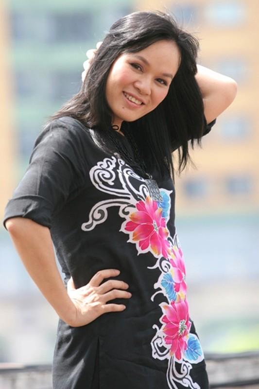 """Hinh anh """"ngo tau"""" cua Lai Van Sam va nhung MC dinh dam-Hinh-3"""