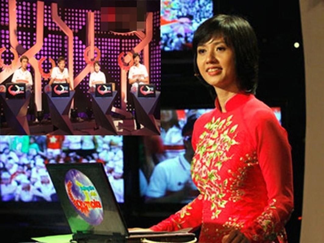 """Hinh anh """"ngo tau"""" cua Lai Van Sam va nhung MC dinh dam-Hinh-4"""