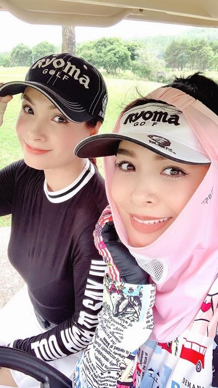 Vo chong Duong Khac Linh hoi ngo Ha Ho - Kim Ly tai san bay-Hinh-10