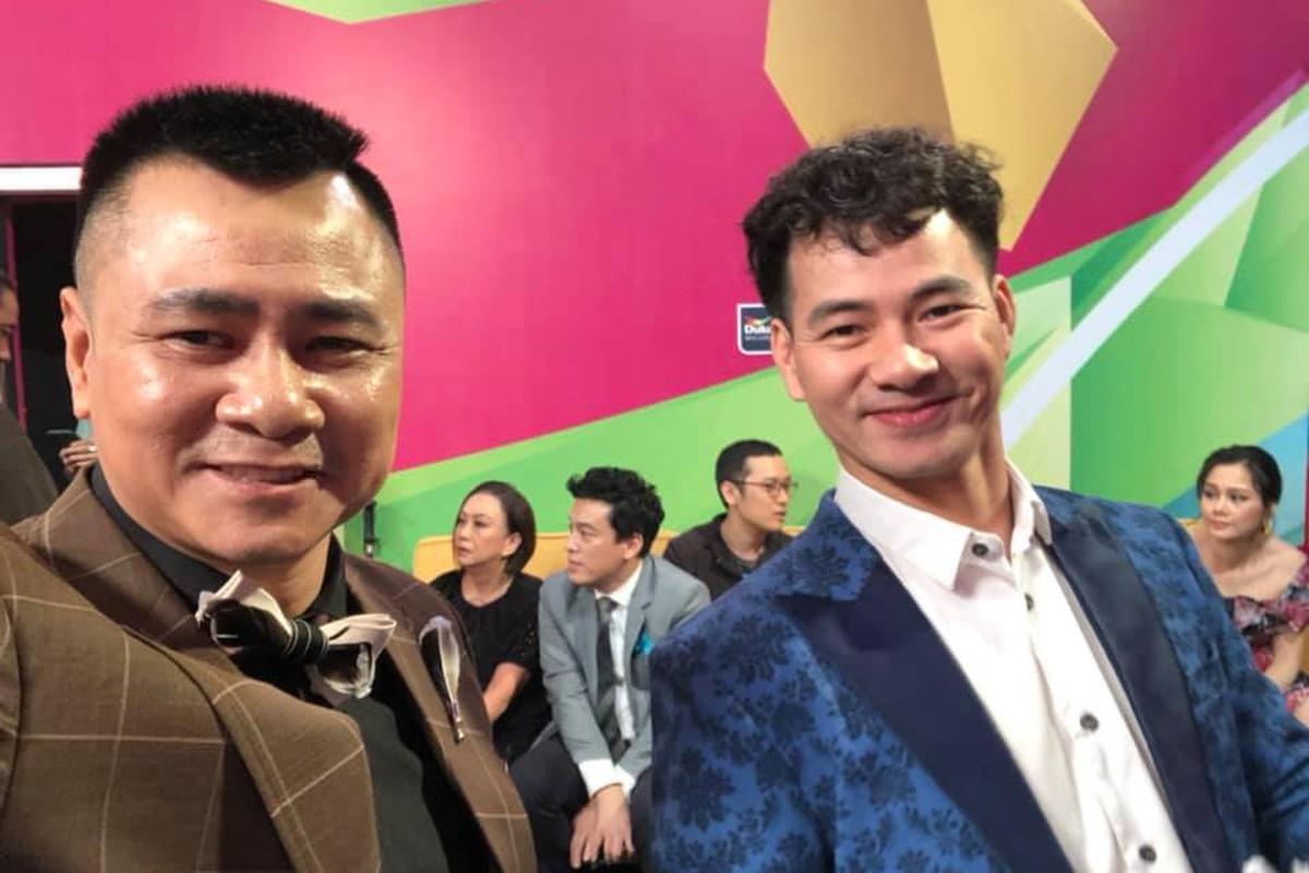 Vo chong Duong Khac Linh hoi ngo Ha Ho - Kim Ly tai san bay-Hinh-4