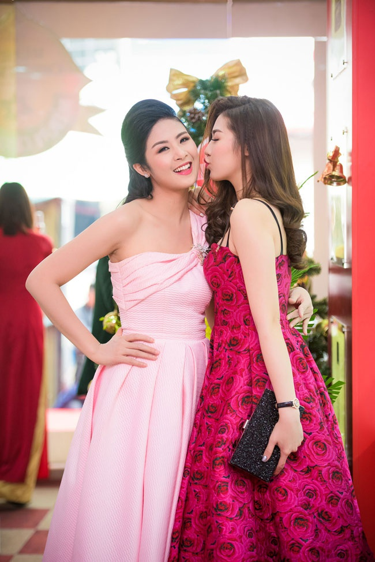 Mai Phuong Thuy va hoi ban than toan hoa hau, a hau cua Vbiz-Hinh-7