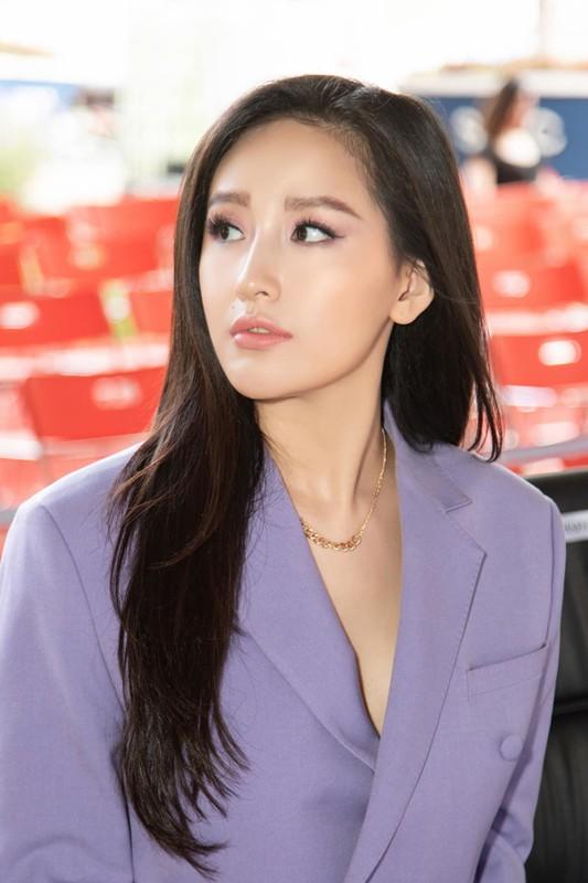 Diva Thanh Lam khoe nhan sac dam tham o tuoi 51-Hinh-4
