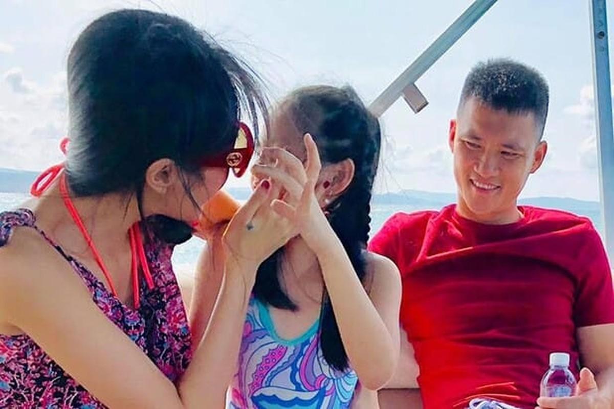 Nghi van Thuy Tien mang bau lan 2 khi lo vong eo lum lum-Hinh-9