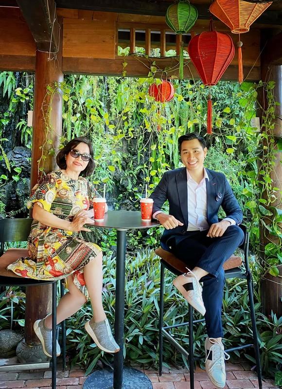 MC Vu Thu Hoai khoe anh hanh phuc ben ban trai-Hinh-7