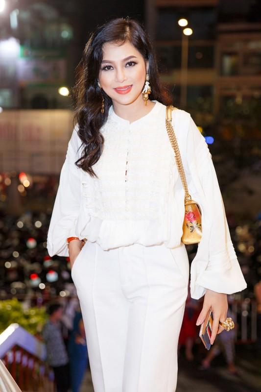Cuoc song van nguoi mo cua 2 my nhan cung ten Thuy Tien-Hinh-5