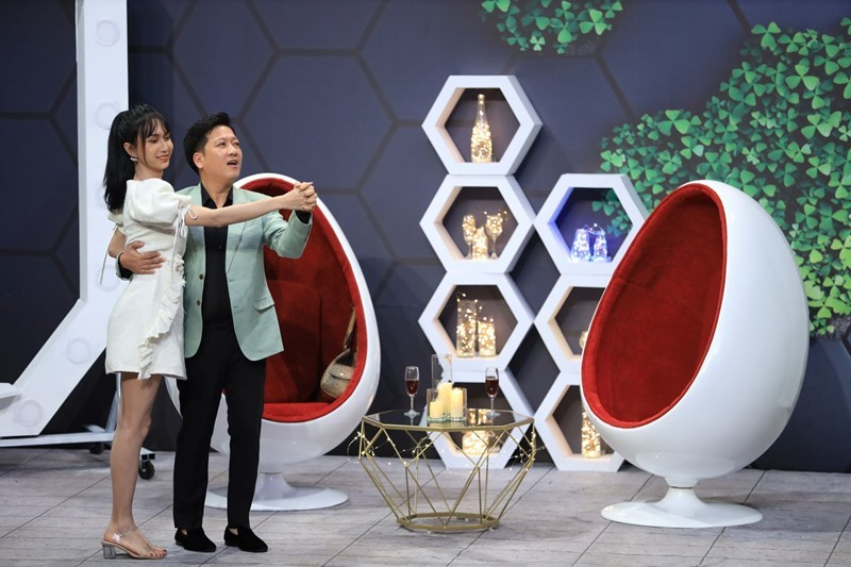 Phan ung cua Lynk Lee khi Truong Giang lien tuc doi hon-Hinh-6