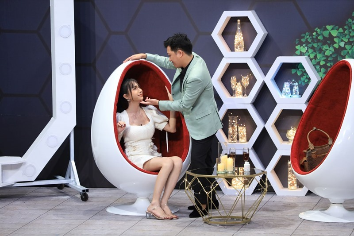 Phan ung cua Lynk Lee khi Truong Giang lien tuc doi hon-Hinh-8