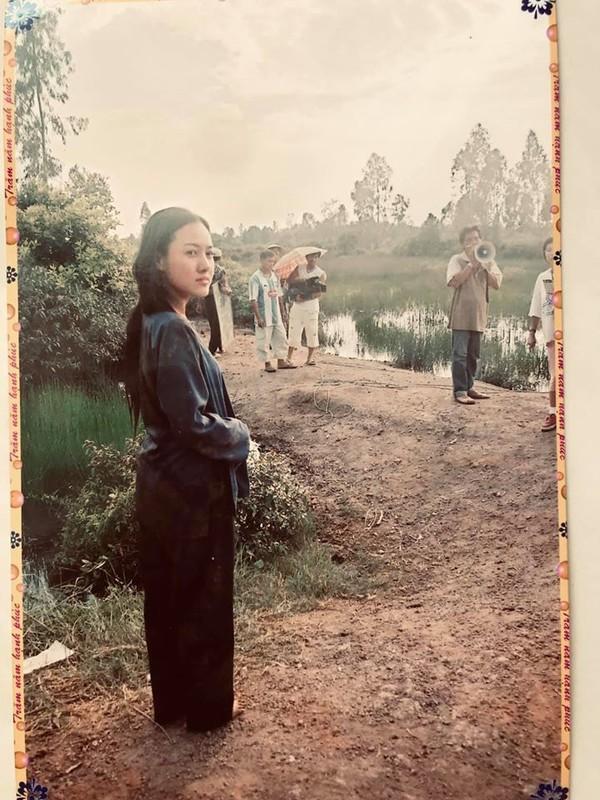 Anh thanh xuan cua BTV Hoai Anh ben Ly Hung, Thuong Tin-Hinh-2