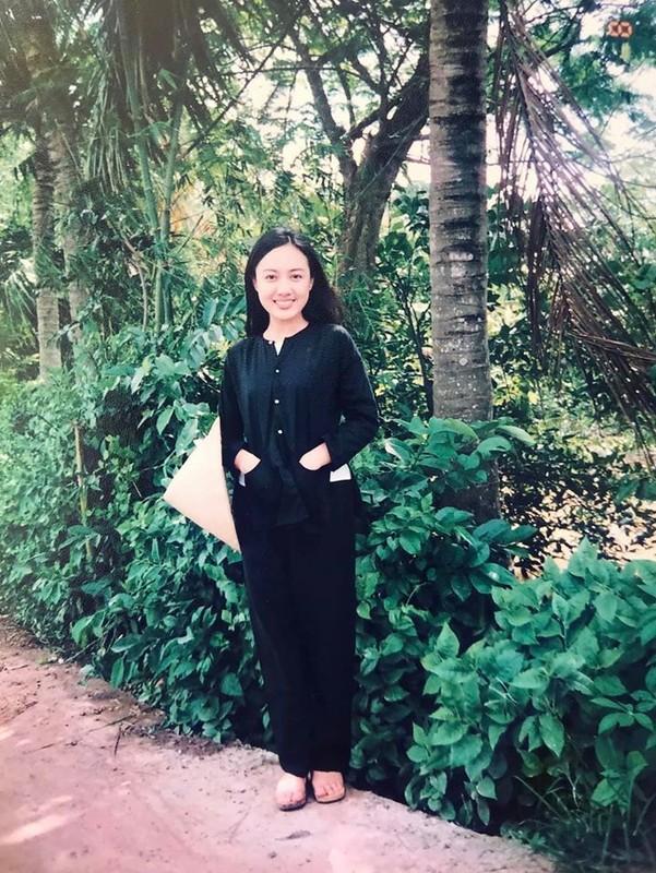 Anh thanh xuan cua BTV Hoai Anh ben Ly Hung, Thuong Tin-Hinh-3