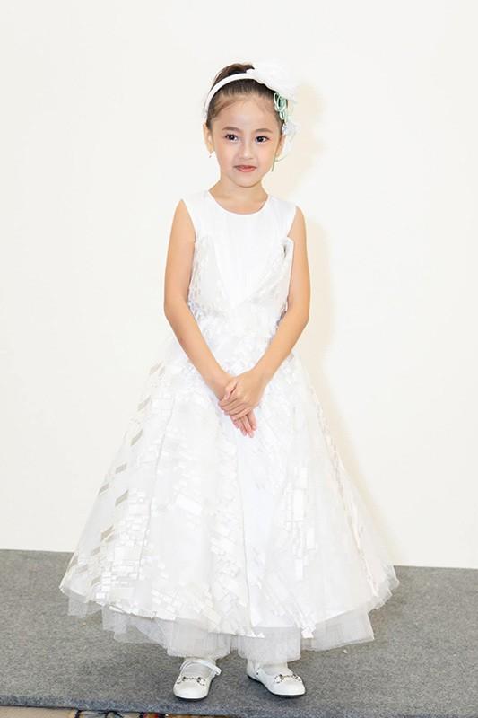 Lay chong giau, song cung 4 con Ha Kieu Anh quen di song gio-Hinh-9