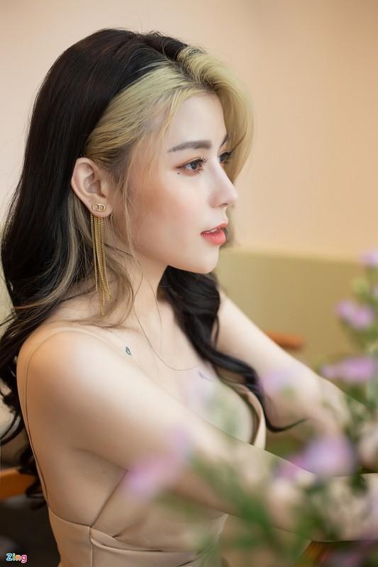 Ngan ngo truoc vong eo 54 cm cua quan quan The Voice Ngoc Anh-Hinh-4