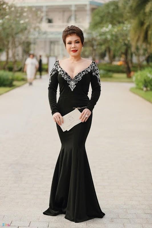 Hoang Thuy va loat sao gay tranh cai vi mac lo di dam cuoi-Hinh-5
