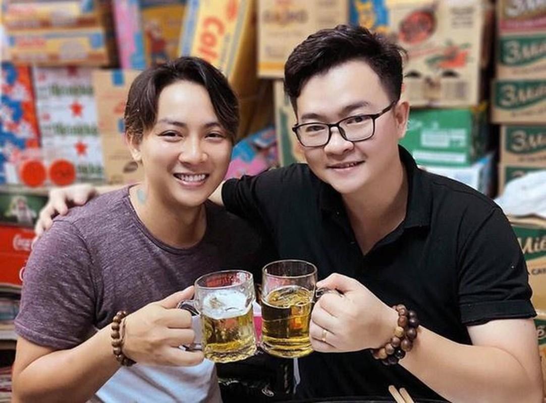 Hoai Lam va dan quan quan Guong mat than quen gio ra sao?