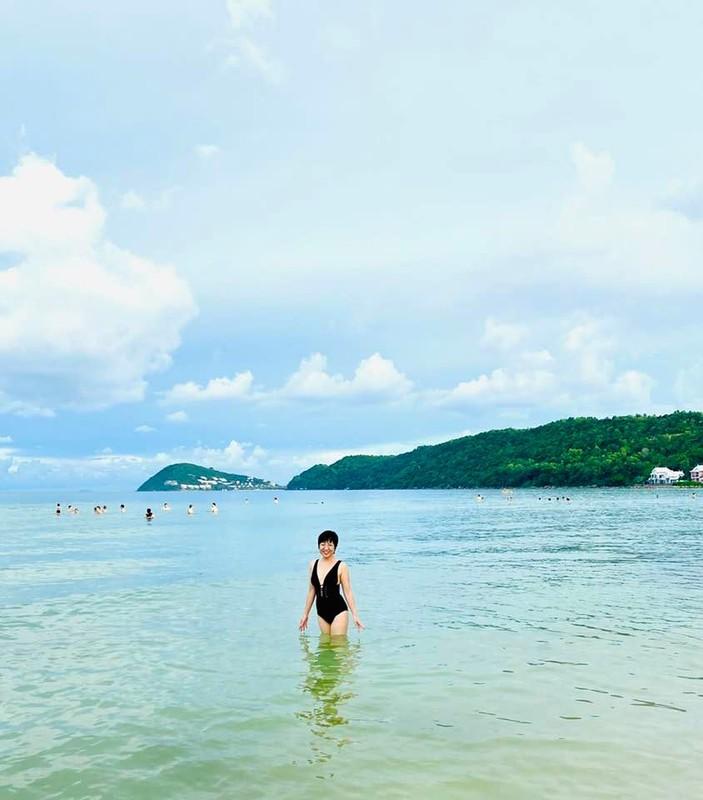 MC Thao Van hiem hoi khoe anh mac bikini o tuoi 50-Hinh-8