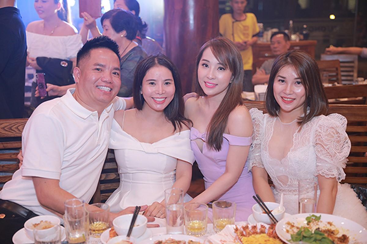Tran Thanh - Hari Won chup anh tinh tu tai Sa Pa-Hinh-8