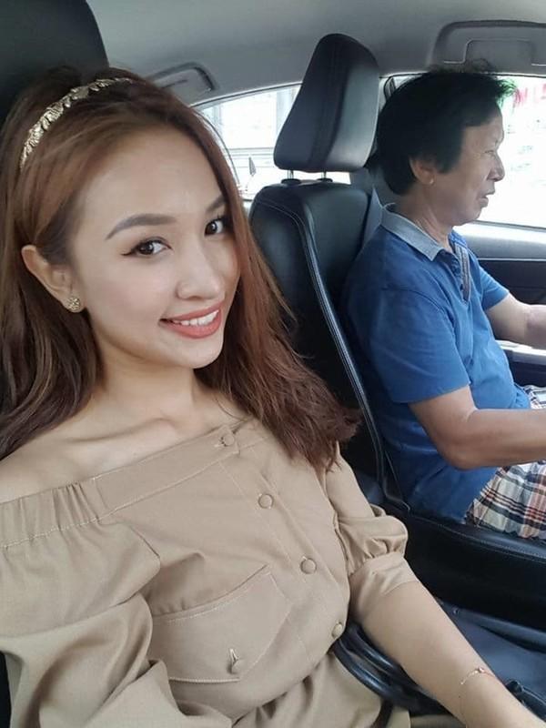 Le Quyen kheo khoe dong ho, nhan kim cuong dat gia-Hinh-3